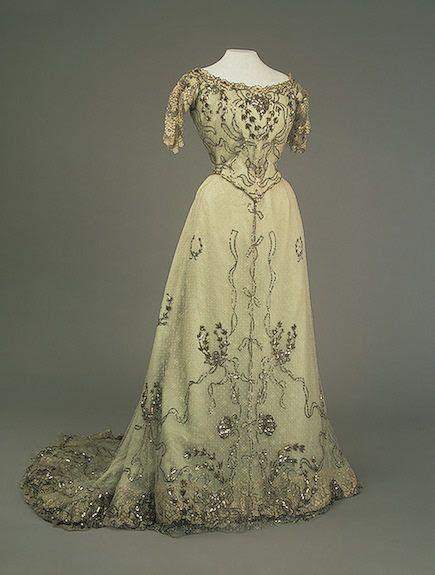 1900s Alexandra's off-white evening dress