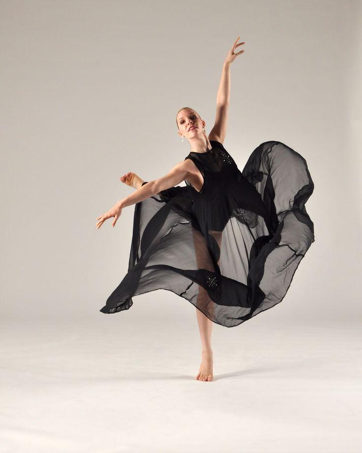 Oh my gosh I want that dress!