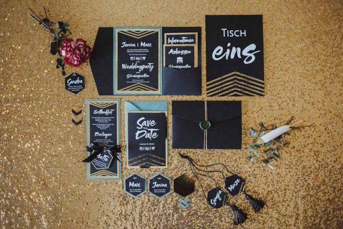 Glamrock Hochzeit In Beere Und Gold Herz Blatt Hochzeitseinladung Hochzeit Einladungen