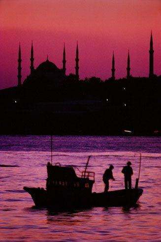 Istanbul, Turkey, at sunset ~ Ara Güler photographer
