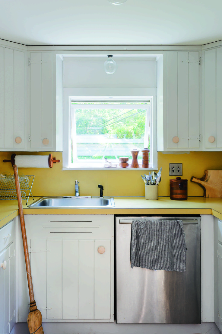Pintar gabinetes de cocina ideas uk - How to paint kitchen cabinets 5 tips from a master painter remodelista pintar gabinetes de cocinacocina bricolajeideas