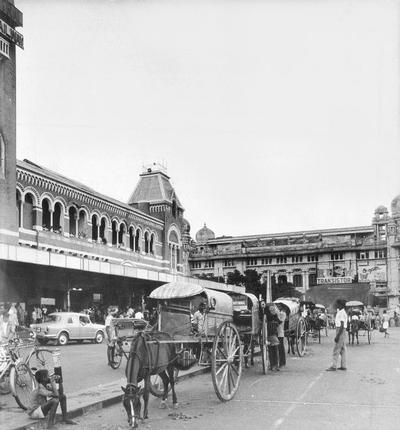 Scene outside the Central Station in 1979