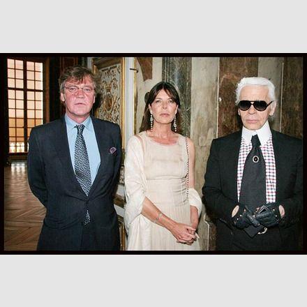 Caroline mit Prinz Ernst August von Hannover und Karl Lagerfeld