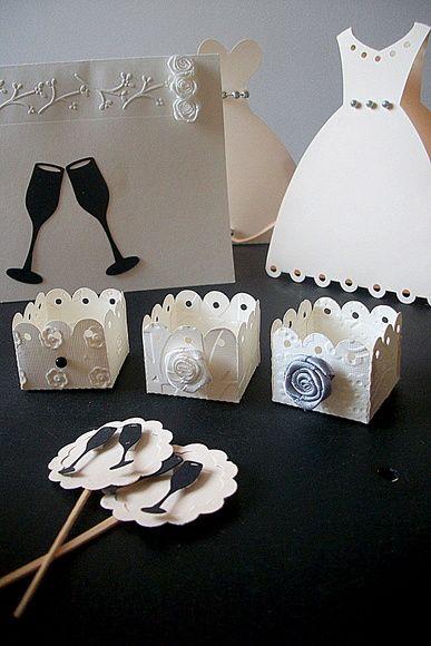 Forminhas para docinhos para Casamento, feitas com papel alto relevo para scrapbook 180g. R$ 1,10