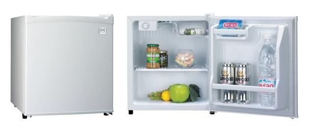 Porque en verano siempre hace falta un pequeño frigo de mas! DAEWOO FR-065R TABLE TOP -- 129 € http://www.materialdirecto.es/table-top/48143-daewoo-frigo-fn-065r.html