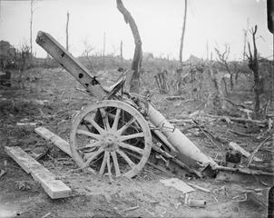 WW1, 15-22 Sept 1916, Battle of Flers-Courcelette. Captured German howitzer…