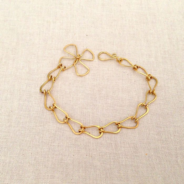 329 best Wire Bracelet images on Pinterest | Wire bracelets, Wire ...