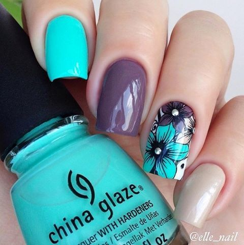 Pretty floral accent for a bold but neutral mani by @elle_nail using #ChinaGlaze Too Yacht To Handle, Delow Deck and Don't Honk Your Thorn!