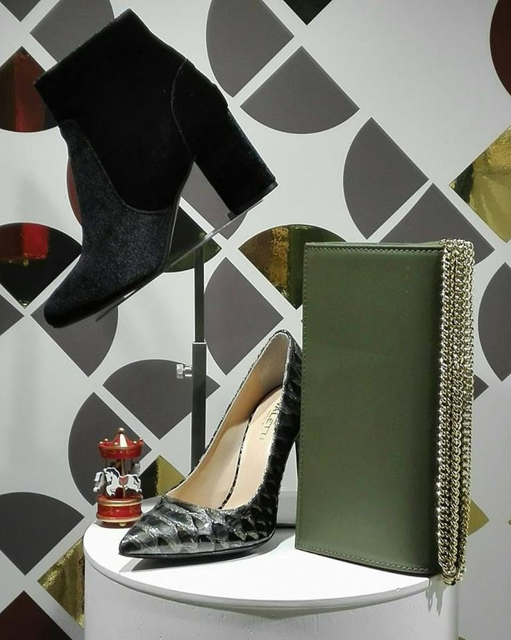 Luxury is attention to detail. Originality, exclusivity & above all quality! Find the most luxurious proposal of Christmas Gifts for Your loved ones in Cherry Heel boutique & online at www.cherryheel.com  #CherryHeel #LuxuryShoeBoutique #ValettiDesign #freeshipping #christmas #gifts #shoes #clutch #green #bestgift #shoes #accessories #madeinitaly #enjoy #green #stilettos #pumps #travelwallet #uniquegifts #navidad #regalos #испания #барселона #шоппинг #праздник #обувь #девочкитакиедевочки…