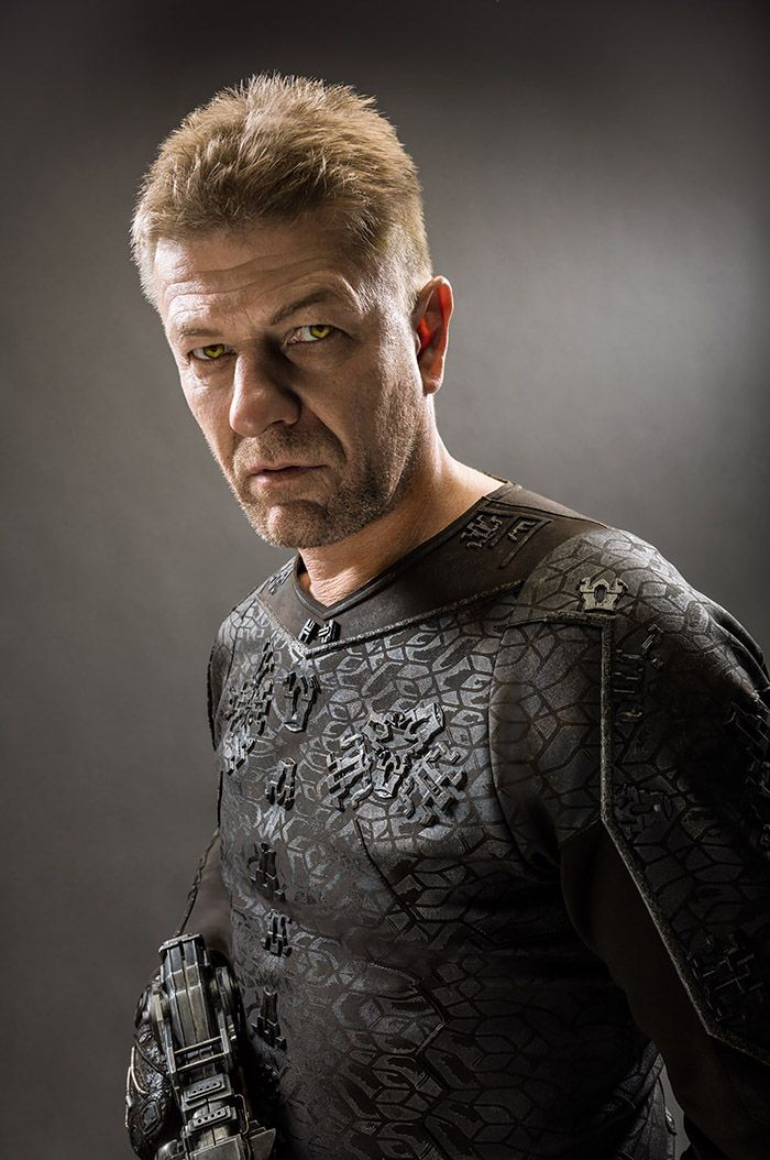 Costumes - Stinger Apini (Sean Bean) - Jupiter Ascending – Official Look Book