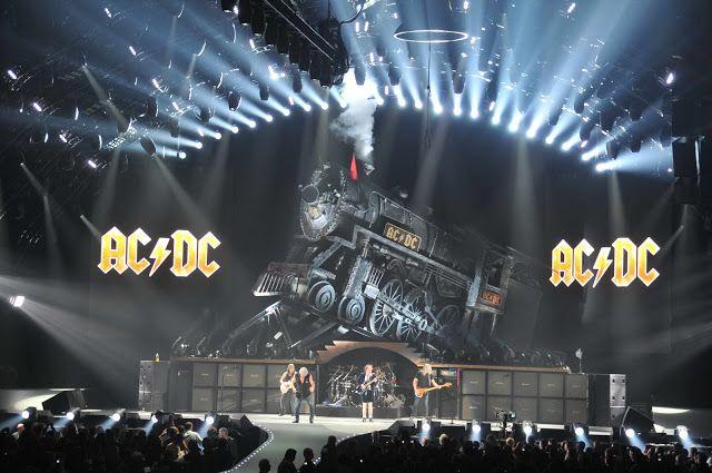 Ac/Dc en el escenario en la gira Black Ice