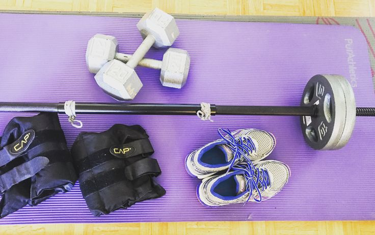 After completing 3 rounds of Kayla Itsines' Bikini Body Guide (BBG), I decided to incorporate a lot more weightlifting into my workouts. In doing so, I've noticed an immediate differenc…