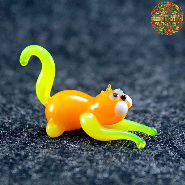 Pin By Niknik Siti On Inspirasi Design Showpiece Functional Glass Art Heady Glass Figurines