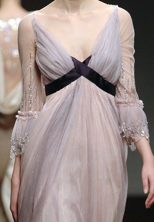 agameofclothes:  Lilac gown Sansa would wear, Christophe Josse