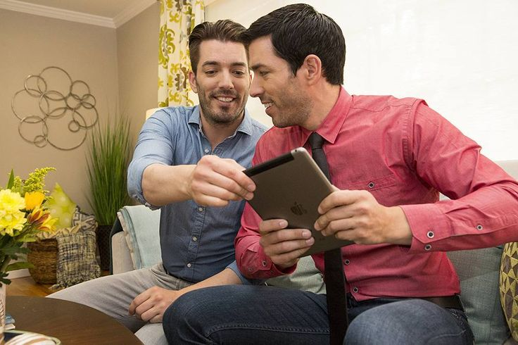 "Property Brothers 🏡🔨 on Instagram: ""Check out the #PBHandbook app! It's got so many fun and interactive features, guaranteed to keep you inspired! Download for free using the the link in our bio!"""