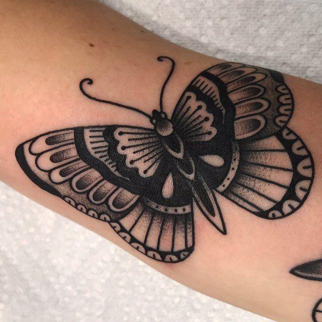 Halloween All Year Round For Selena Blackworktraditional Blackclaw Traditionaltattoo Mindyourbusin Black Ink Tattoos Tattoos Body Art Tattoos