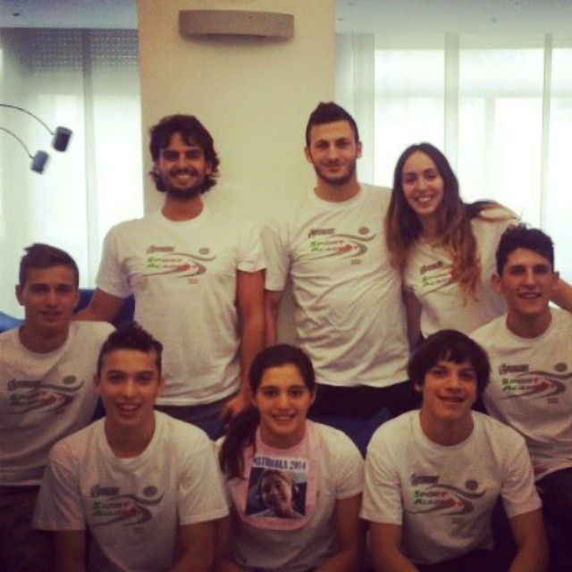 Il team del nuoto ai campionati italiani giovanili di Riccione