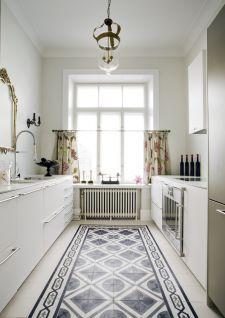 Best 25 tapis carreaux ciment ideas on pinterest - Cuisine en longeur ...