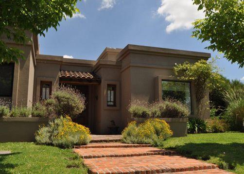 Casa Estilo de Campo.      Lugar: Buenos Aires, Tigre, Talar del Lago http://www.portaldearquitectos.com/argentina/buenos-aires/obras/casas/actual-otro/c-0075-2-1-007