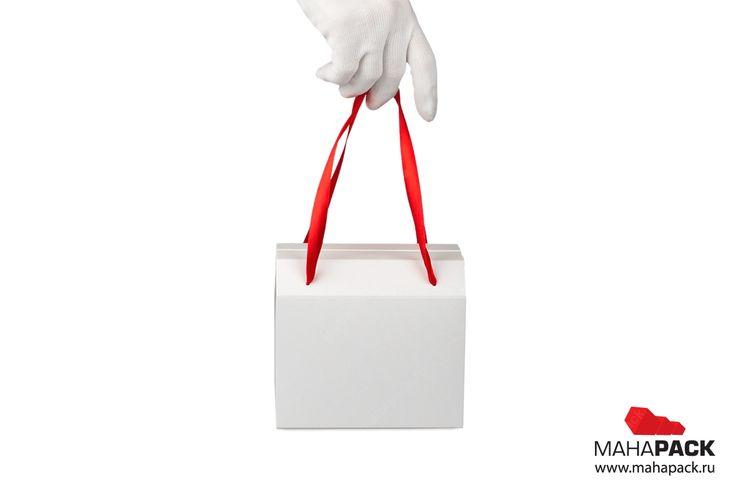 Картонная коробка-пакет для конфет под заказ