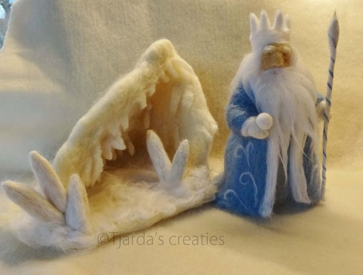 Naaldvilten koning winter bij kristal grot