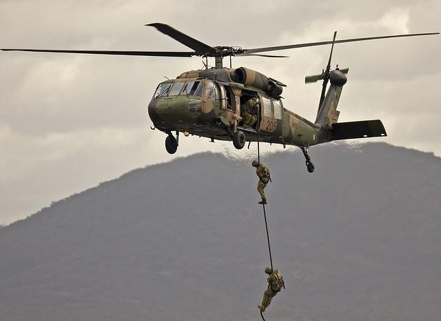 Australian Army Black Hawk - troop drop