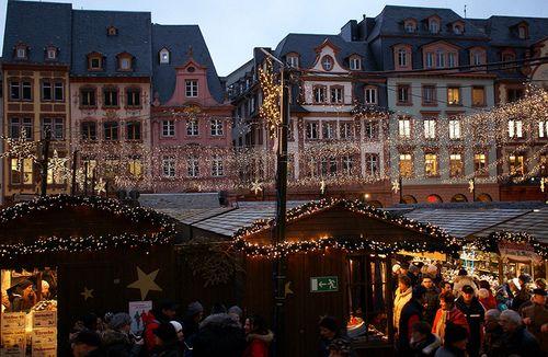 Mainz, Weihnachtsmarkt (Christmas Market) by HEN-Magonza on Flickr.