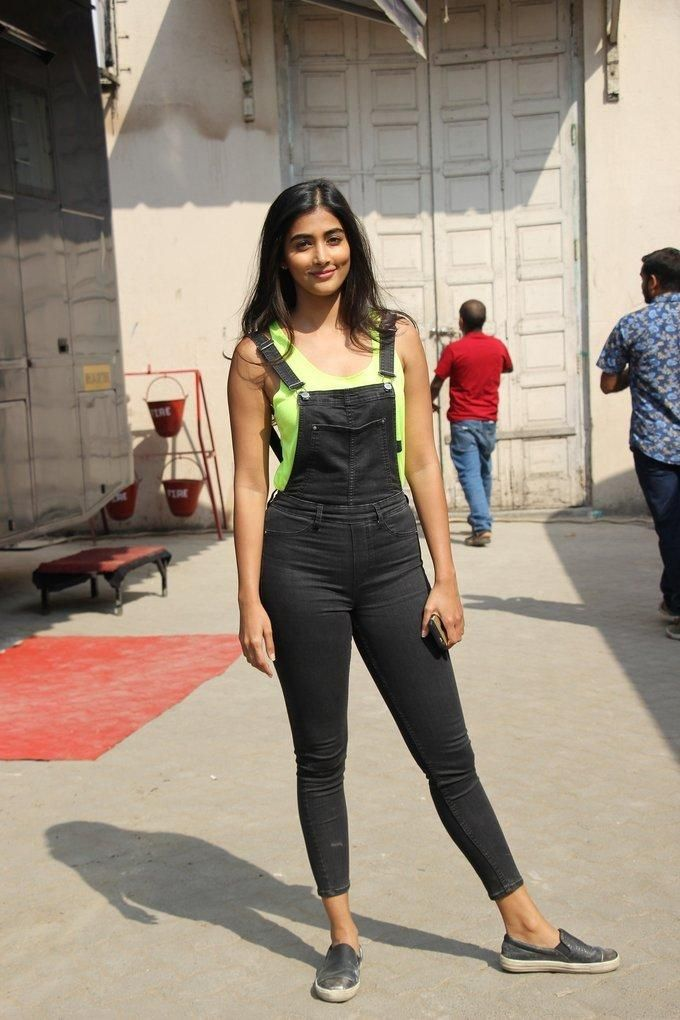 Model Pooja Hegde Images In Black Top Jeans
