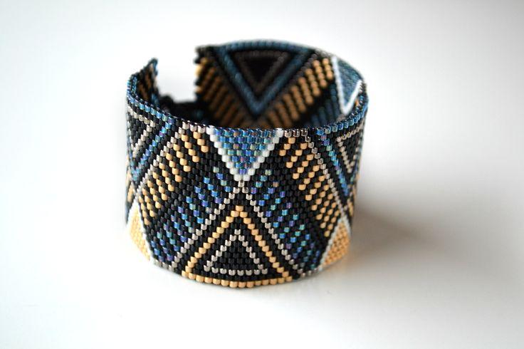 Bracelet manchette peyote en perle miyuki : Bracelet par violaine-n