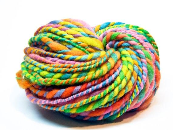 Beyond super bulky rainbow yarn: Bulki Rainbows, Yarns Handspun,  Woolen, 25 50, Super Bulki, Yarns Obsession, Handspun Art, Rainbows Yarns,  Woollen