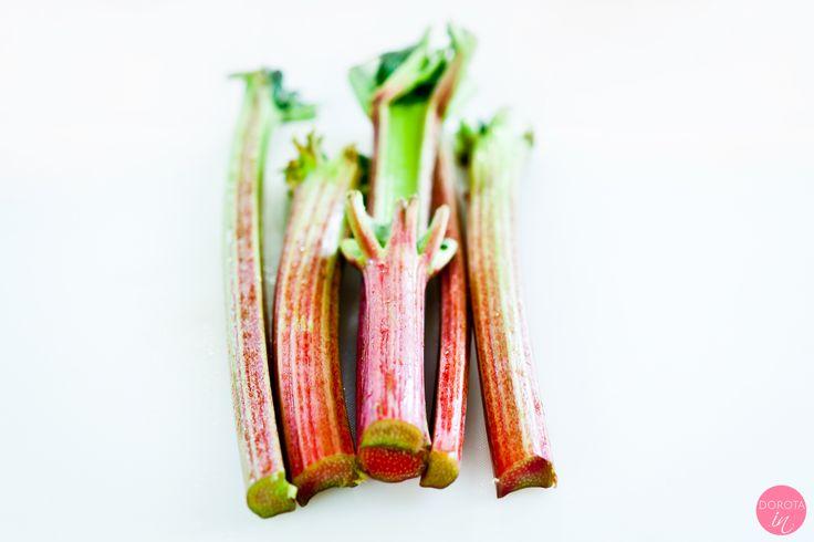 Rabarbar - właściwości, walory i witaminy czyli dlaczego warto jeść rabarbar, ale jednocześnie zachować rozsądek i ostrożność :).  http://dorota.in/rabarbar-wlasciwosci-walory-i-witaminy/  #kuchnia #zdrowie #dieta