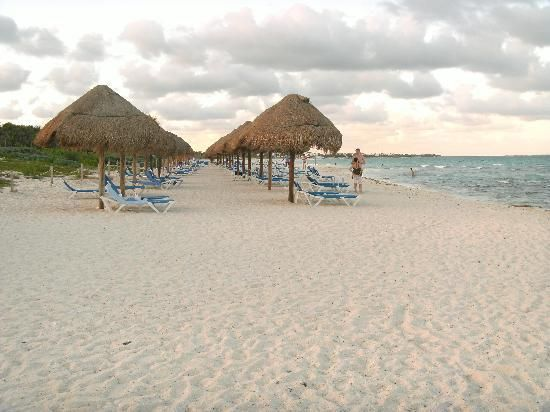 Valentin Imperial Maya: Beach Loungers And Palapas