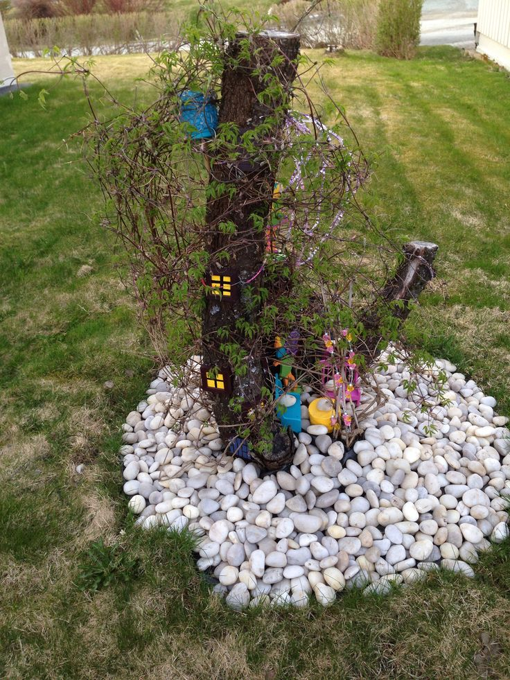Getting there:) Decorating the tree stump in my garden is fun. Finding inspiration in pins under Fairies and garden.