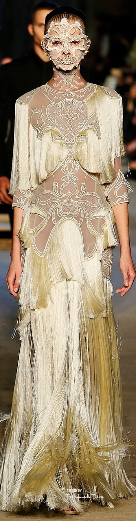 Givenchy Spring 2016 RTW ♔ Très Haute Diva ♔  For more fashion visit my website at http://www.treshautediva.com/