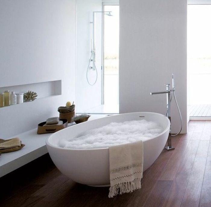 Les 25 meilleures id es de la cat gorie baignoire moderne for Salle de bain de luxe moderne