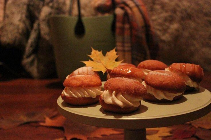 Doughnut with vanilia cream