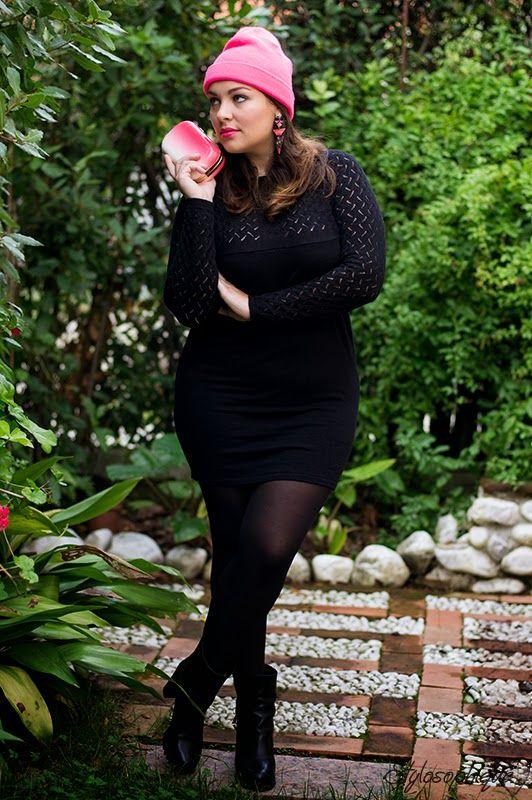 Il semplice abitino nero in maglia è uno dei capi che, a mio avviso, non devono mancare nel guardaroba autunnale. Con calze coprenti e...