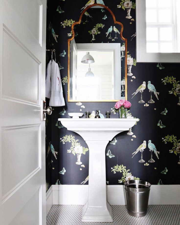 The 25 best small bathroom wallpaper ideas on pinterest for Bathroom decorating ideas wallpaper