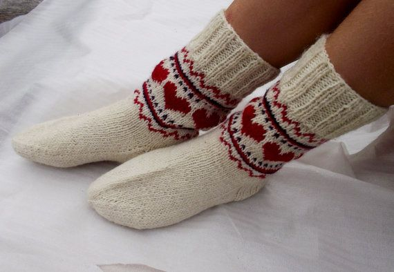 hand knitted wool socks patterned white red by peonijahandmadeshop