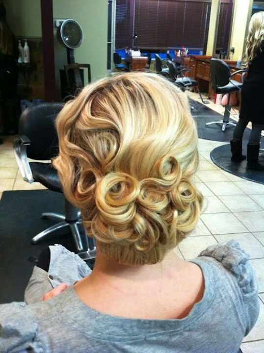 Wish I was wearing my hair up, because of styles like this. I might incorporate some pin curls though :)