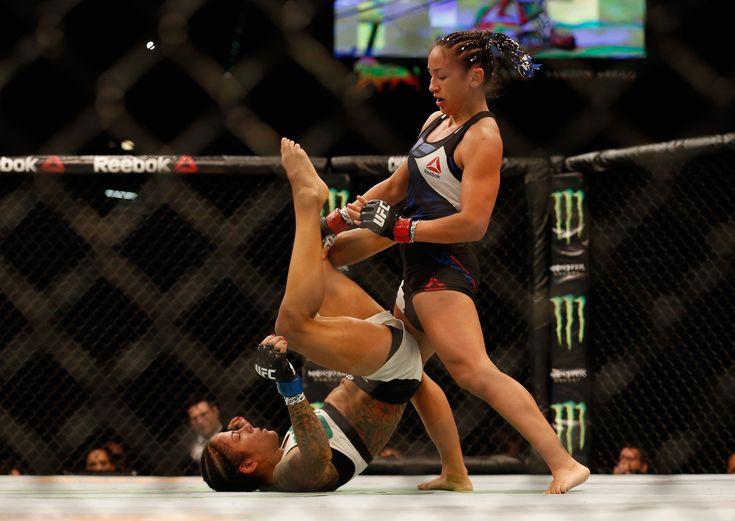 Ex-campeã Carla Esparza volta com vitória dominante contra Juliana Lima @canalCombate
