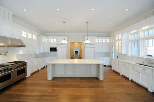 Jennifer Lopez Kitchen in Hamptons