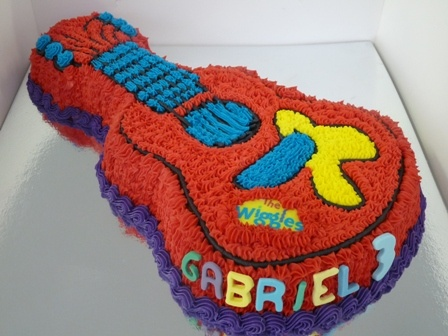 Wiggles Guitar Cake - I might have to make this for Carter's birthday