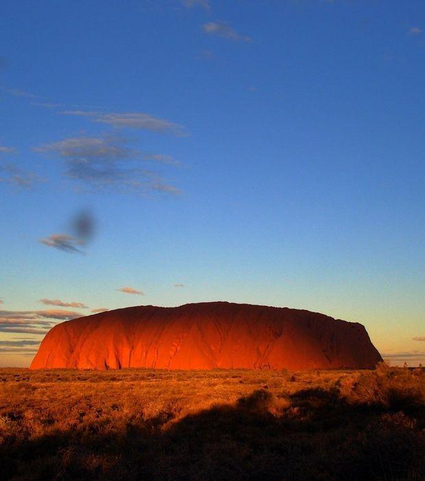 Le site d'Uluru, en Australie, est sujet à de magnifiques couchers de soleil