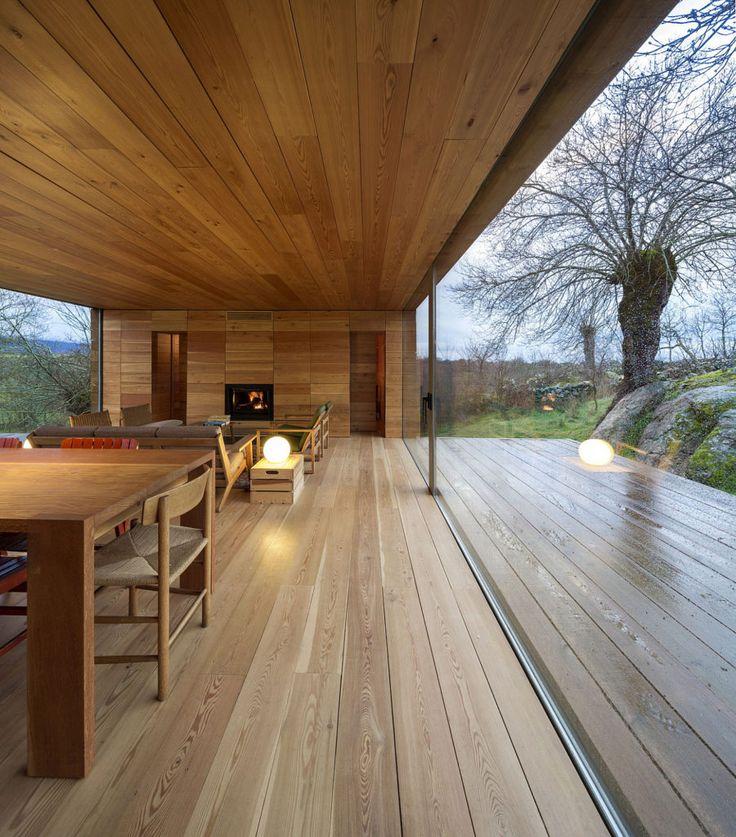 Vom Boden bis zur Decke reichende Fenster nutzten ihr volles Potenzial, um großartige Ansichten hervorzuheben