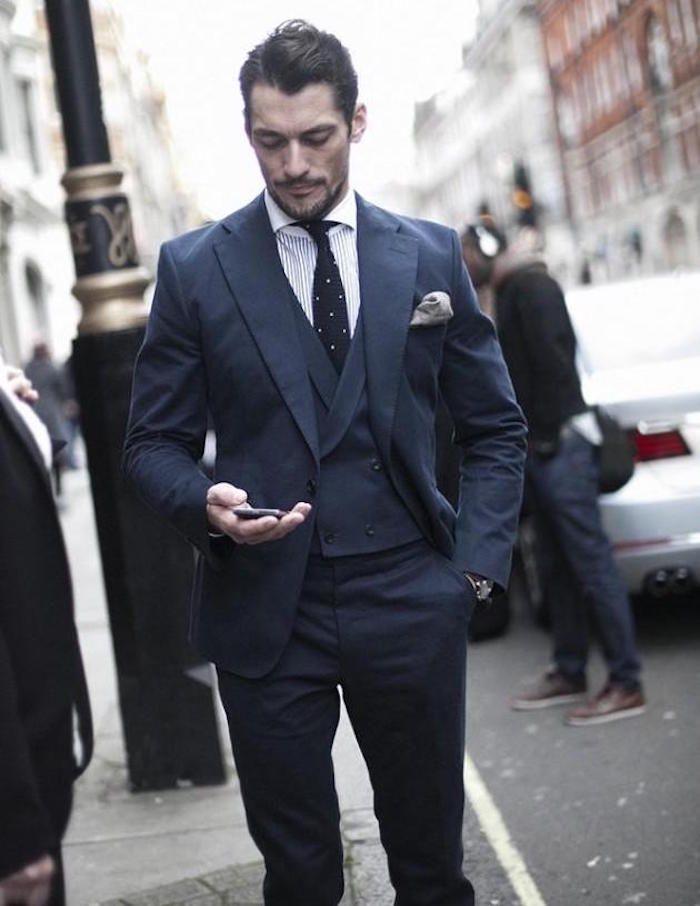 Le costume bleu marine homme – élégance et sobriété   Costard 7204fa63462