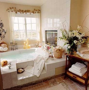 Playa del Rey, CA --- tub at the Inn at Playa del Rey - and this is pretty much where I spent every evening after the stress-infused days I would endure at uWink!  LOL!!!