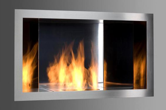 The new wall mounted model is an excellent solution for architects looking for a glimmer captured in a stainless steel frame. A recessed insert, with steel mirrors placed internally, reflects the flames making the fire look more intense and dynamic. Reflexo is the perfect way of introducing the vibrant atmosphere of dancing flames into modern interiors.