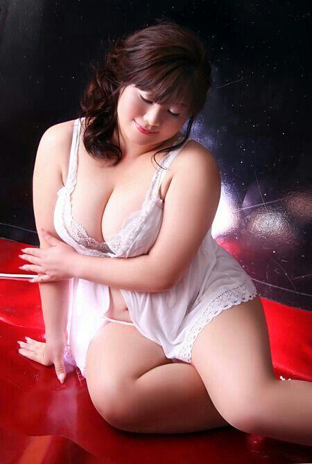 simi big tits
