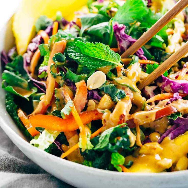 Unwiderstehlich knuspriger Thai-Salat mit cremigem Erdnuss-Dressing wird Ihr neues Gemüse sein …  – Studenten Kochbuch